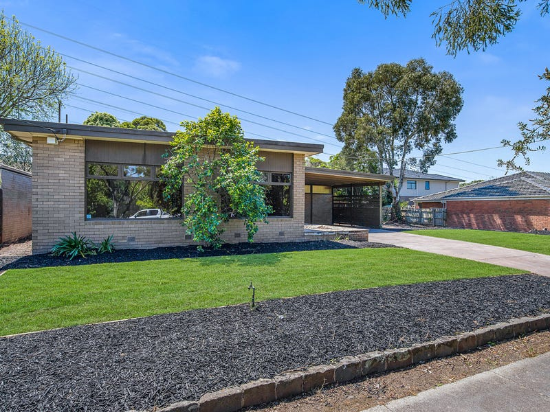 41 Highwood Drive, Wheelers Hill, Vic 3150