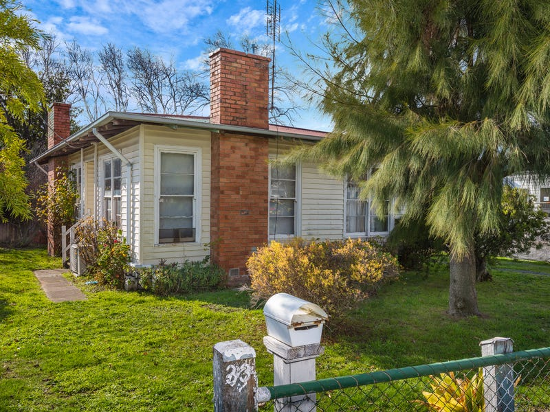 33 Anslow Street Woodend Vic 3442