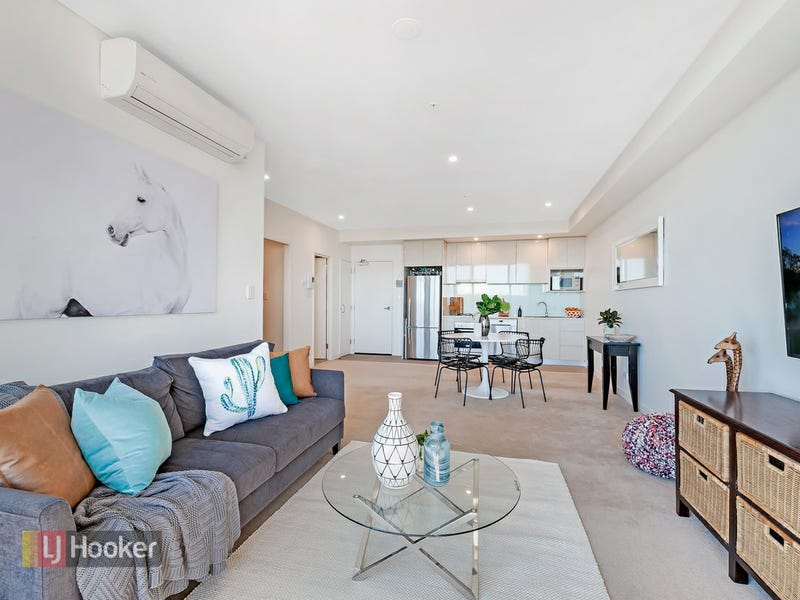10.11 135 Pacific Highway, Hornsby, NSW 2077