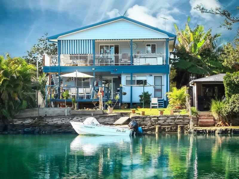 15 Marina Crescent, Urunga, NSW 2455