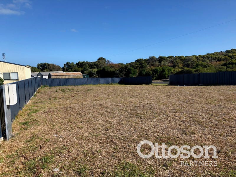 2 Boatswain Point Road, Boatswain Point, SA 5275