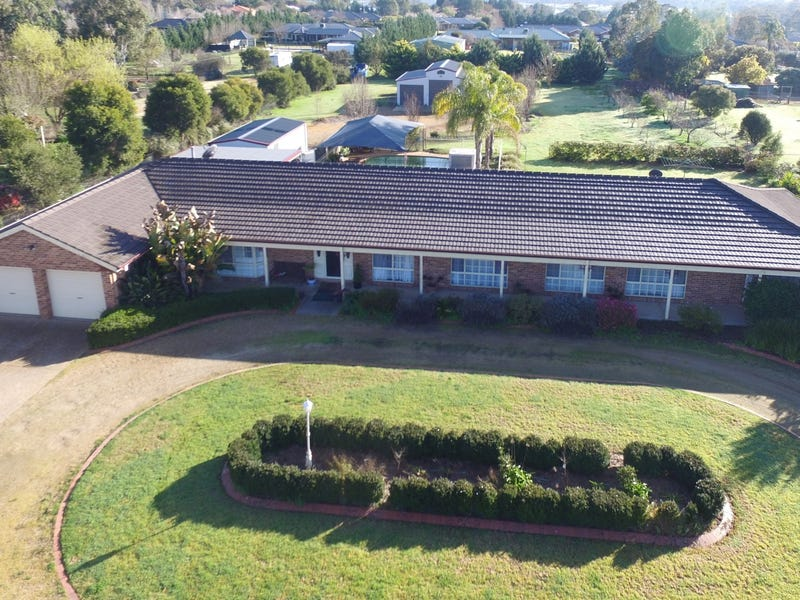 39 Gregadoo Road, Lake Albert, NSW 2650