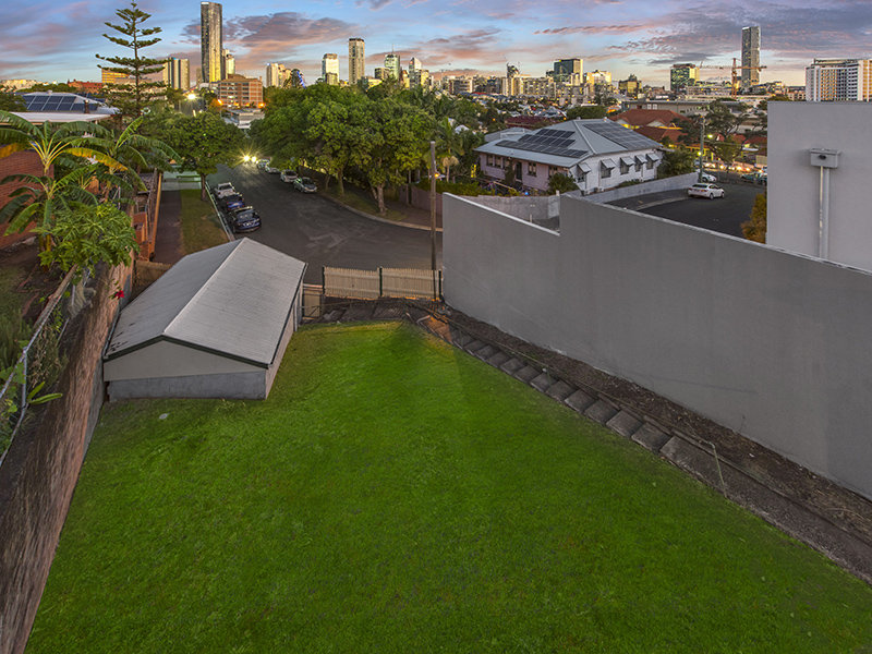 339 Gregory Tce, Spring Hill, Qld 4000