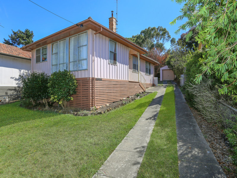 13 White Avenue, Hamilton, Vic 3300