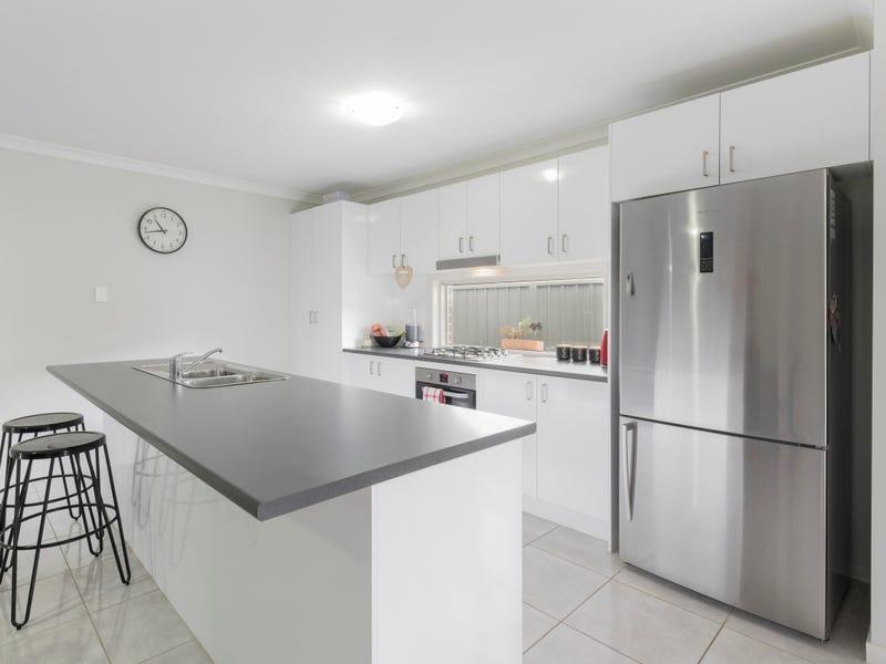 1 Van Stappen Road, Wadalba, NSW 2259