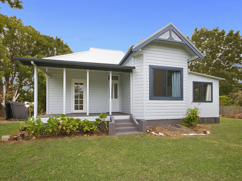 10 Clarence Street, Brushgrove, NSW 2460