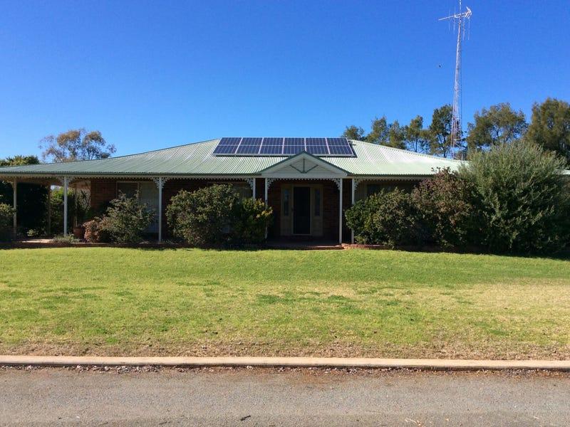 124 Tottenham Road, Nyngan, NSW 2825