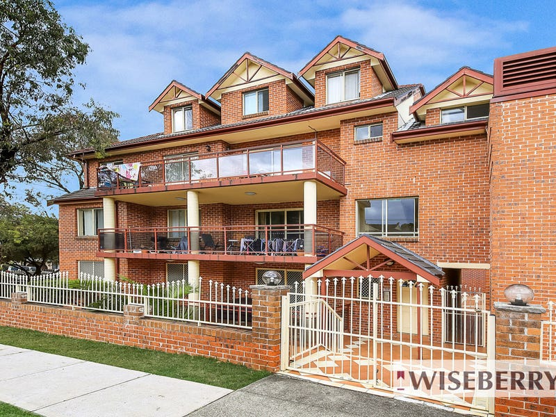 2/76 Meredith Street, Bankstown, NSW 2200
