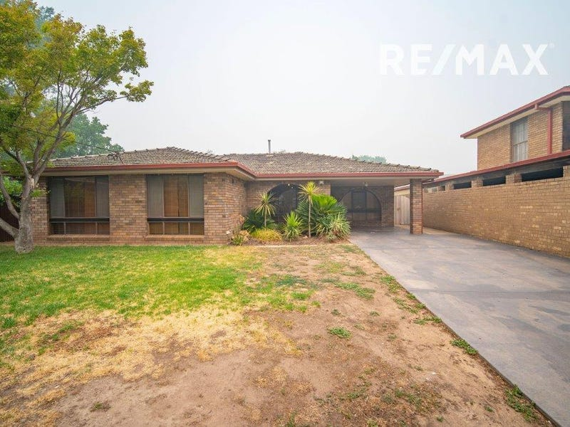 60 Graham Street, Lake Albert, NSW 2650
