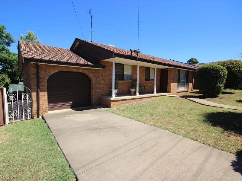 3 Joseph Brown Place, Tamworth, NSW 2340