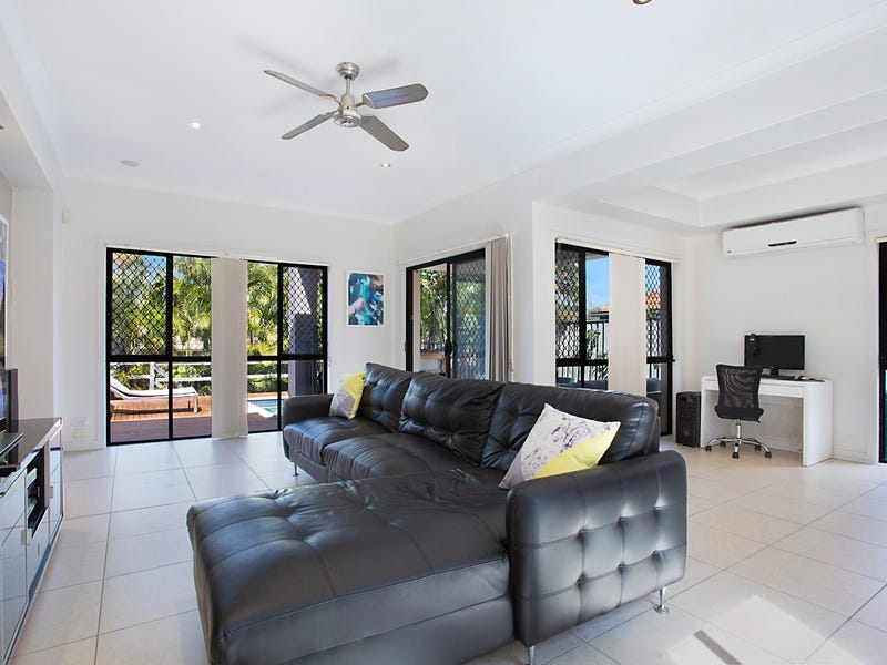 2/4 Murrayfield Place, Merrimac, Qld 4226