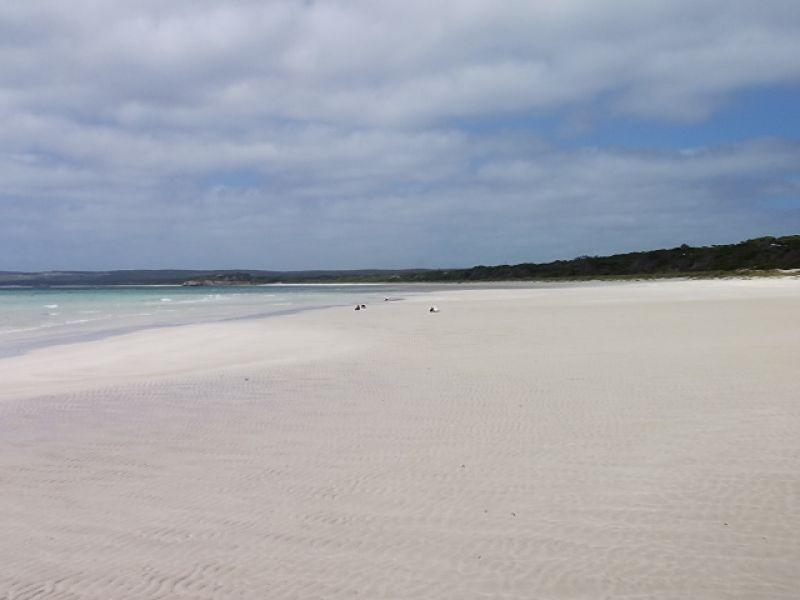 105 De Couedie Dr, Island Beach, SA 5222