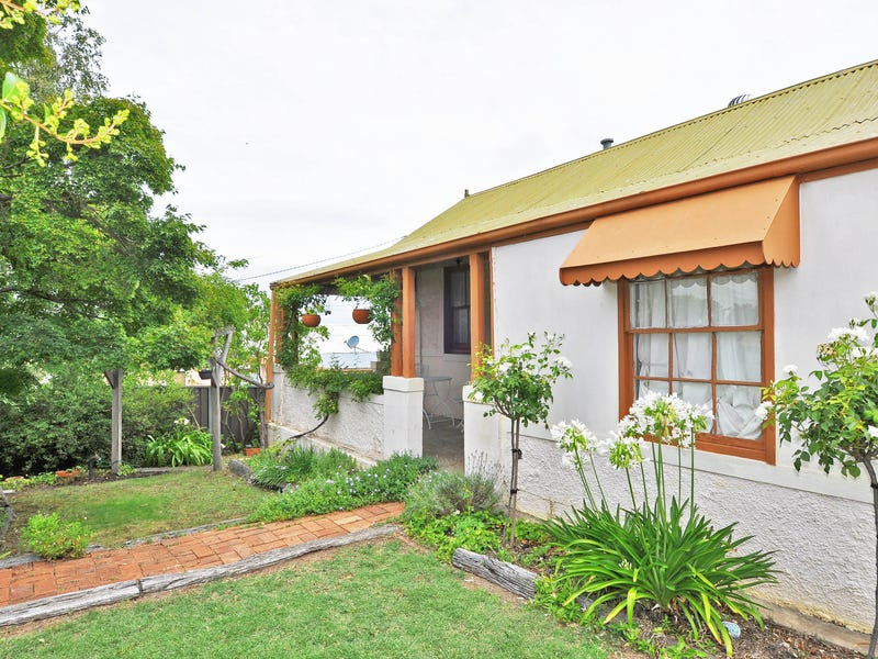 6 Hill Street, West Bathurst, NSW 2795
