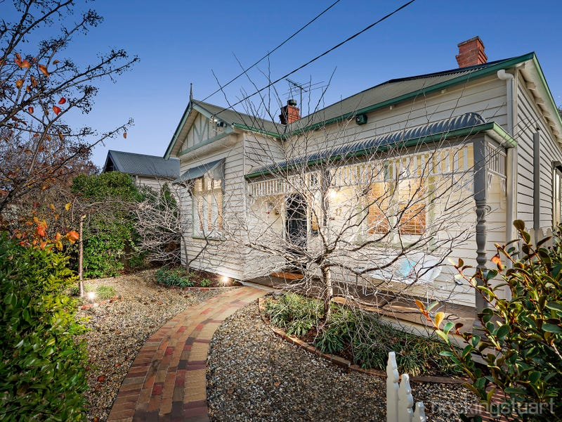 17 Derby Crescent, Caulfield East, Vic 3145