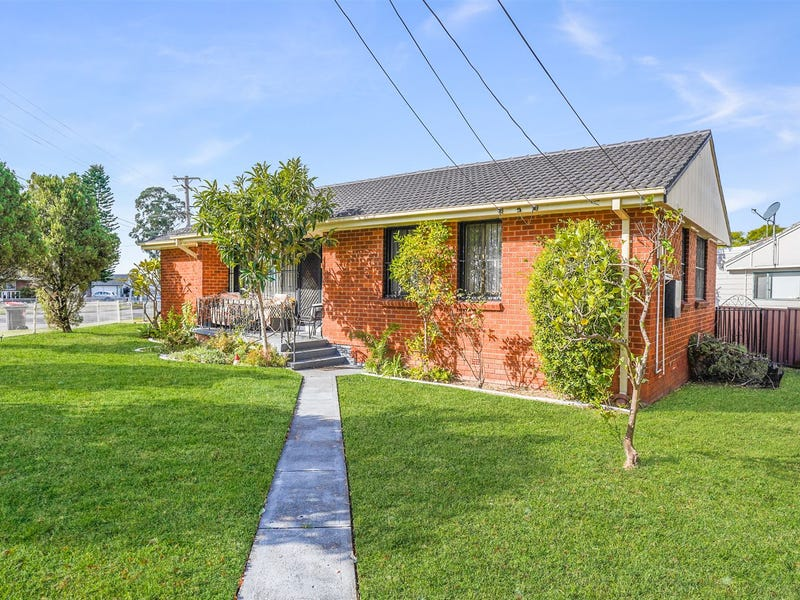 1 Magellan Avenue, Lethbridge Park, NSW 2770