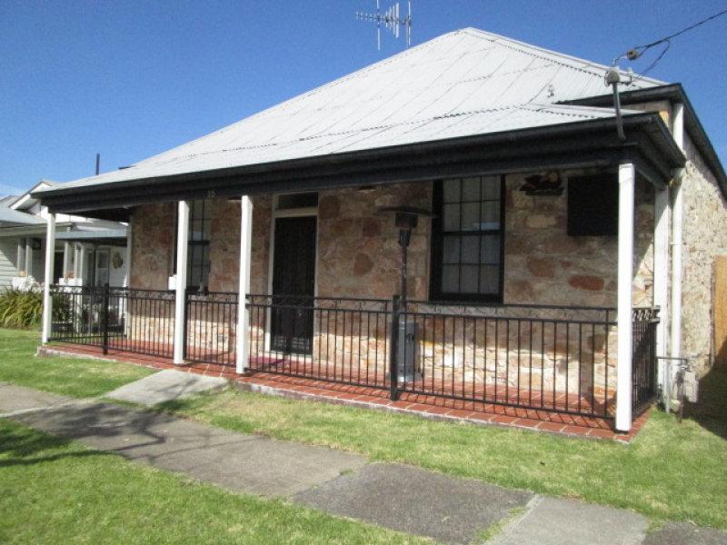 18 UPPER STERNE STREET, Goulburn, NSW 2580