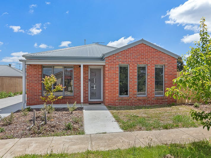 1/2 Central Park Court, Ballan, Vic 3342