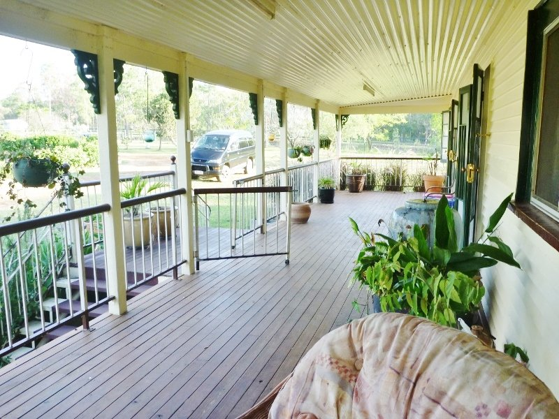 56 Cedar Ave, Esk, Qld 4312