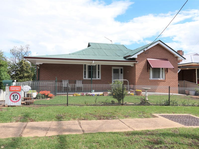 33 Liverpool St, Cowra, NSW 2794