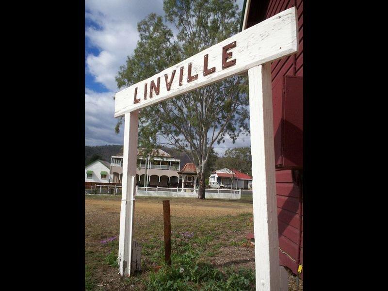 37 David Street, Linville, Qld 4314