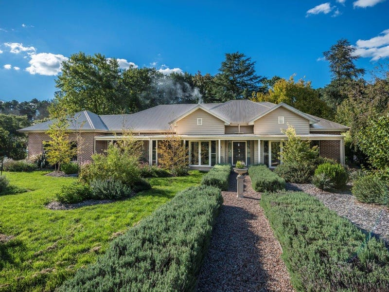 16 Hurlingham Avenue, Burradoo, NSW 2576
