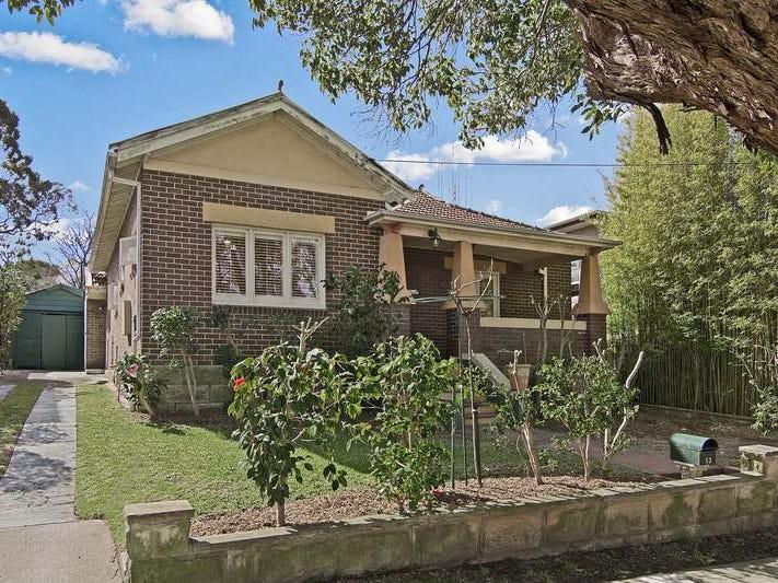 13 Baroona Road, Northbridge, NSW 2063