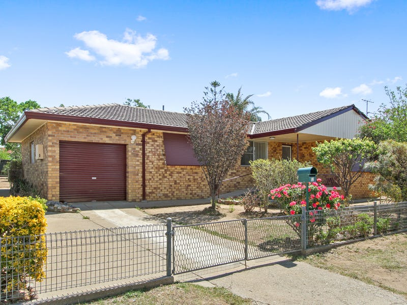 52 Oak Street, Tamworth, NSW 2340