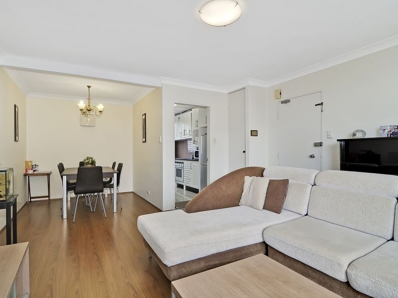 12/82-84 Hunter Street, Hornsby, NSW 2077