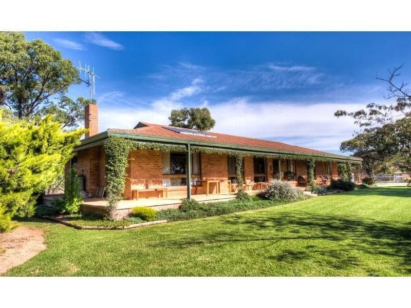 188 Square Road, Canowindra, NSW 2804