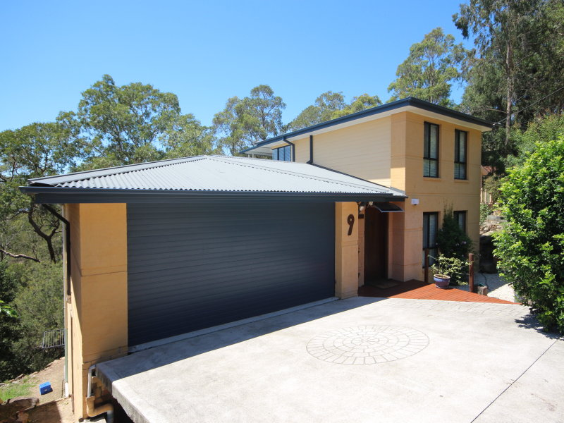 9 Roberts Parade, Hawkesbury Heights, NSW 2777
