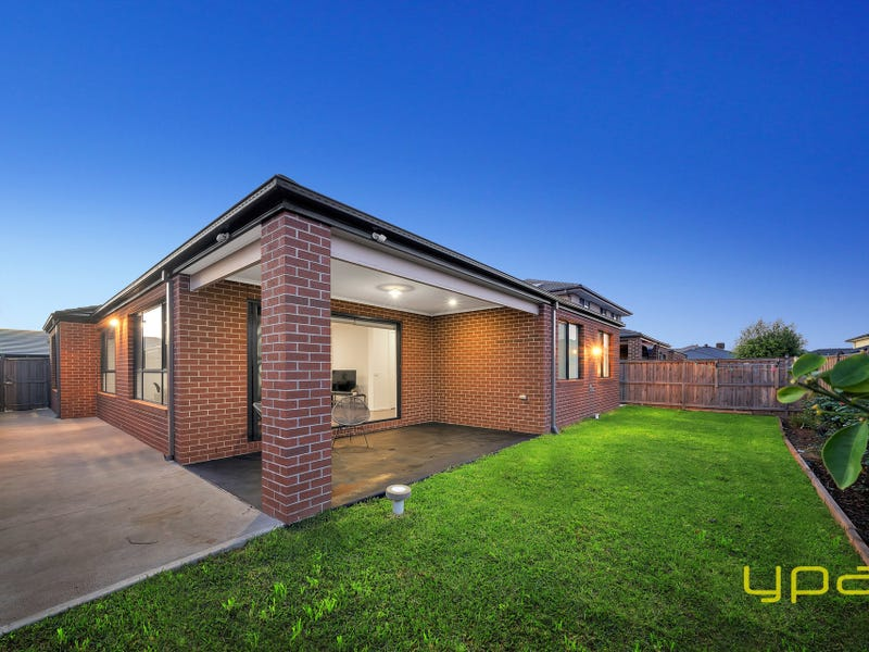13 Caleana Court, Cranbourne North, Vic 3977