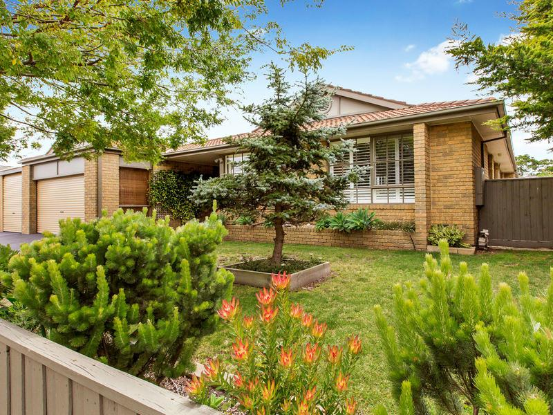 27 Parkside Crescent, Mornington, Vic 3931