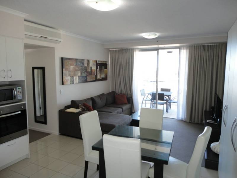 Unit 802 'Aspire ' 11 Ellenborough St, Ipswich, Qld 4305