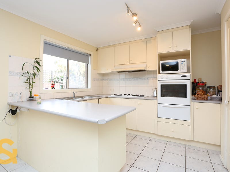 5 Mckenzie Crescent, Roxburgh Park, Vic 3064