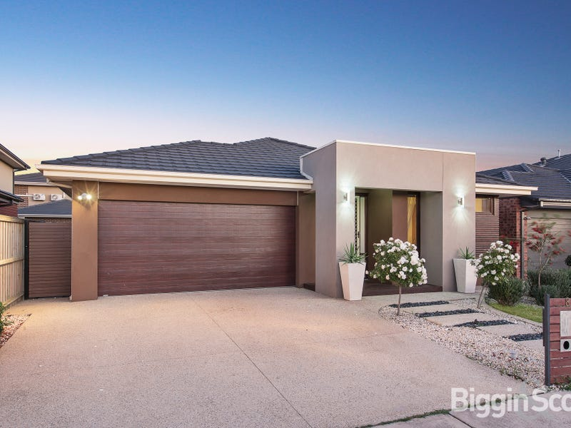 8 Howland Place, Keysborough, Vic 3173