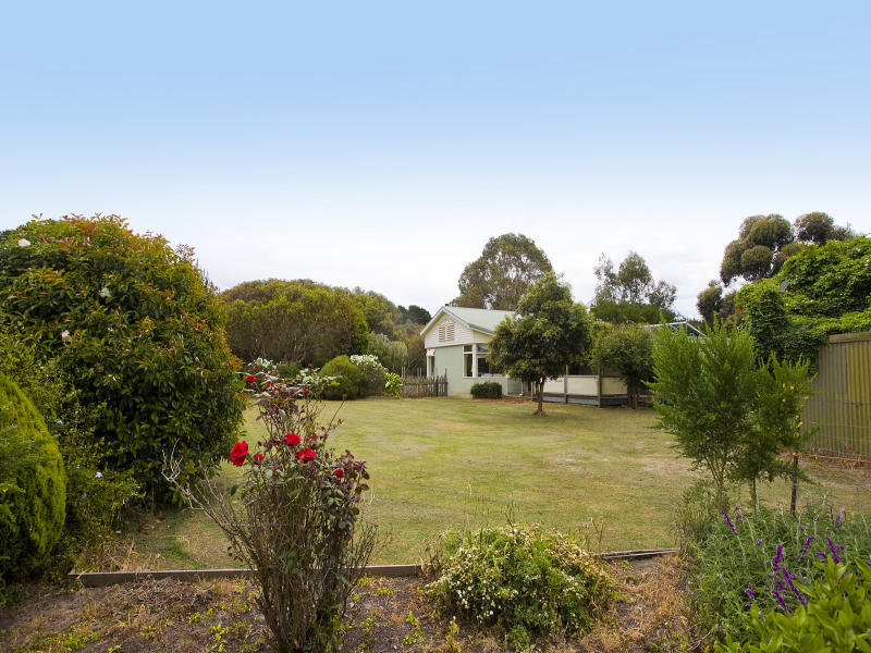 25 Kurzmans Road, Bellbrae, Vic 3228