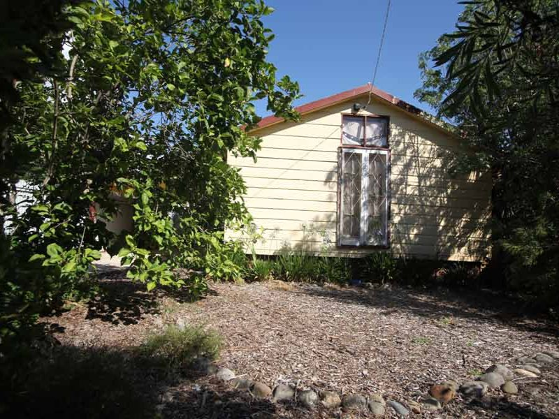 4 Freeburgh Ave, Mount Beauty, Vic 3699