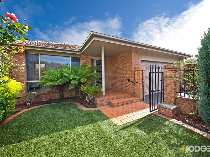 1 Eighth Street, Parkdale, Vic 3195