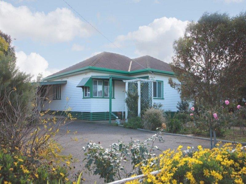 21 Hall Street, Carisbrook, Vic 3464