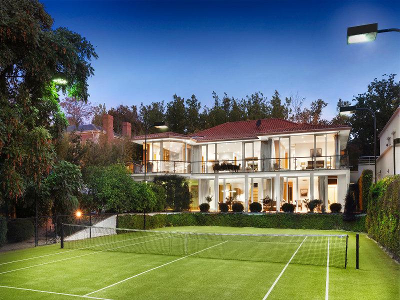 13 robertson street toorak vic 3142 property details for Decoration villa de luxe