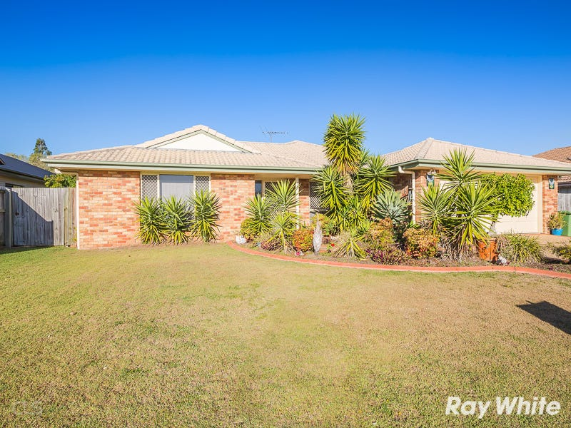 18 Sandheath Place, Sandstone Point, Qld 4511