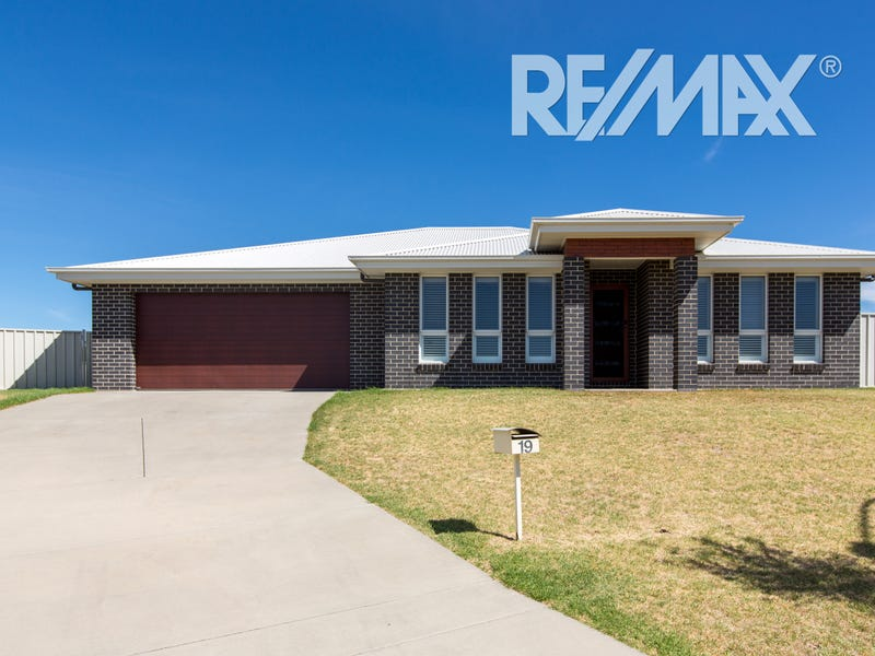19 Yandee Place, Estella, NSW 2650