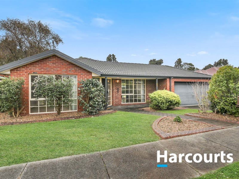 120 Lawless Drive, Cranbourne North, Vic 3977