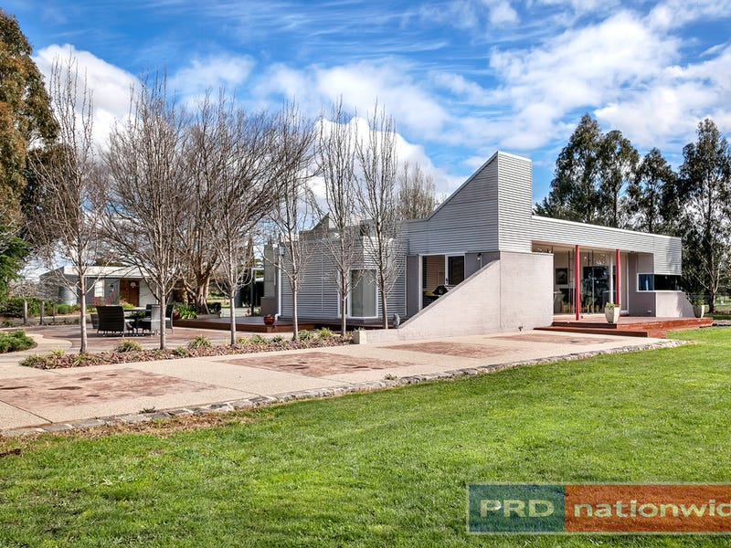 221 Brays Road, Cambrian Hill, Vic 3352