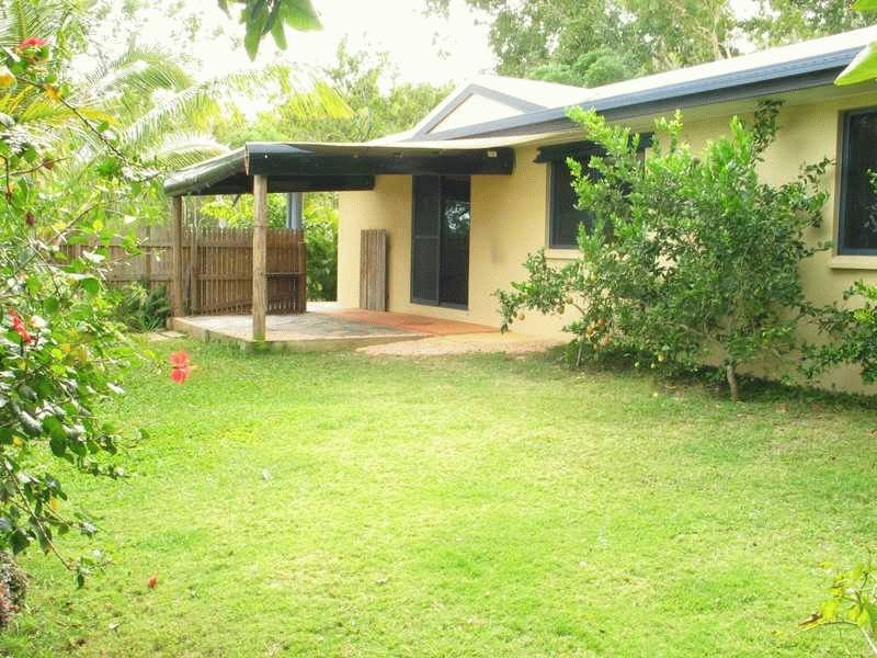 Unit 2,12 Duell Road, Cannonvale, Qld 4802