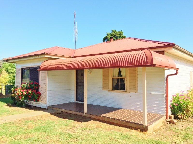 49 Maxwell Street, Wellington, NSW 2820