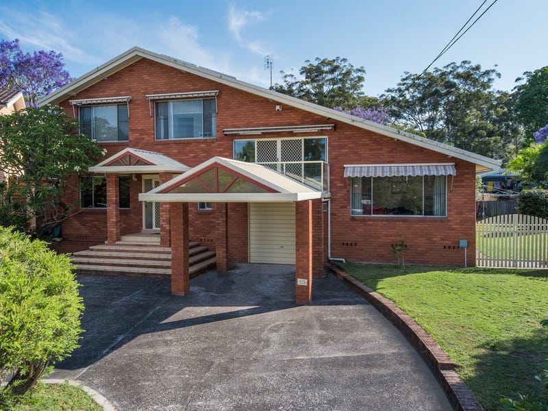 12 Waterside Close, Point Clare, NSW 2250