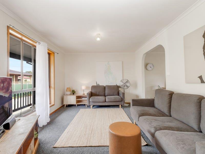 10 Hayes Street, Queanbeyan, NSW 2620