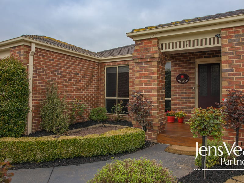 3 Lyttle Crescent, Cardigan Village, Vic 3352