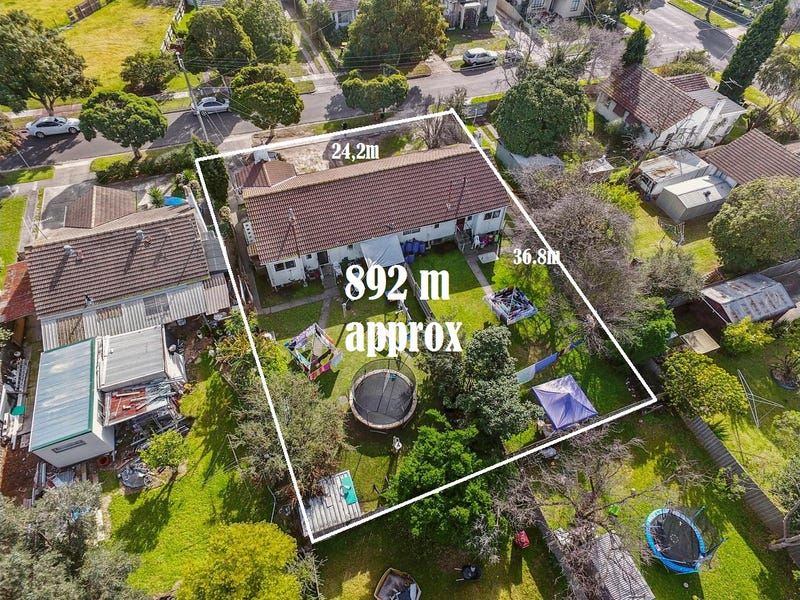 2-4  O'MALLEY CRESENT, Dandenong North